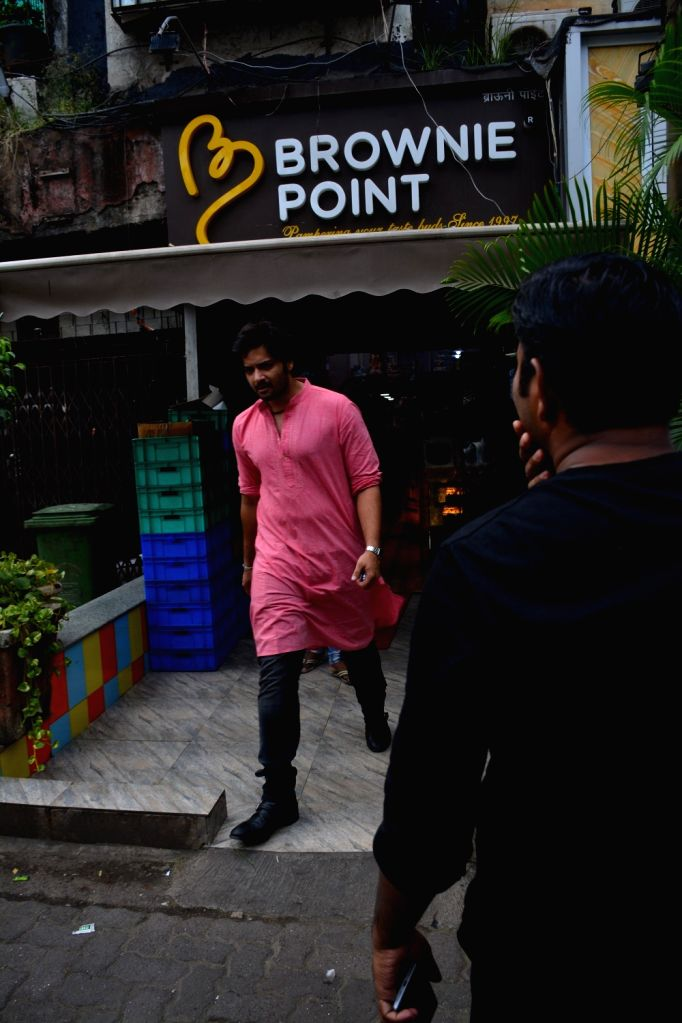 Actor Ali Fazal seen at Mumbai's Bandra on Sept 5, 2018. - Ali Fazal