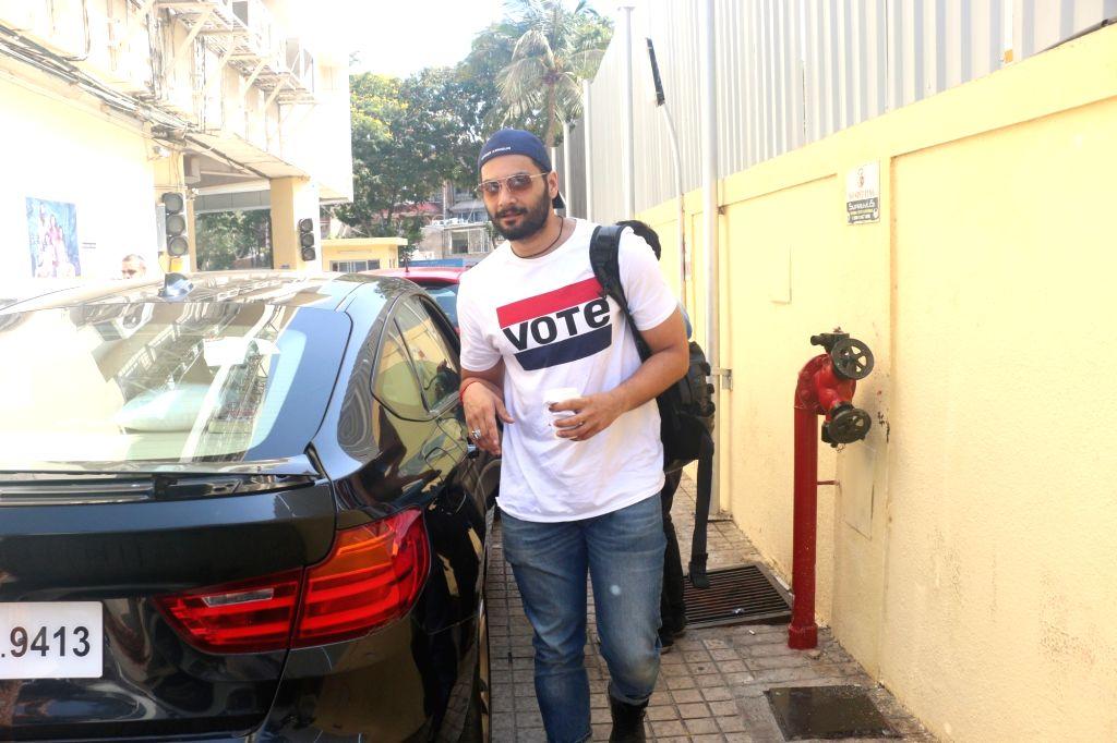 Actor Ali Fazal seen in Mumbai's Juhu, on May 12, 2019. - Ali Fazal