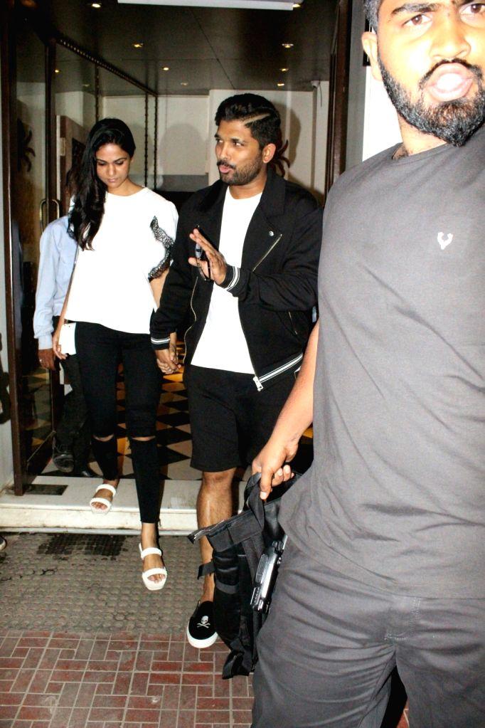 Actor Allu Arjun along with his wife Sneha Reddy seen at Mumbai's Bandra on May 21, 2018. - Allu Arjun and Sneha Reddy