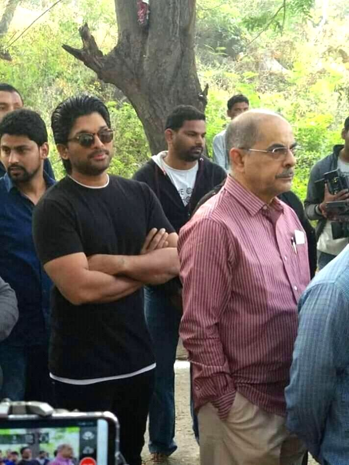 Actor Allu Arjun waits in a queue to cast his vote for Telangana Assembly elections at a polling station, in Hyderabad on Dec 7, 2018. - Allu Arjun