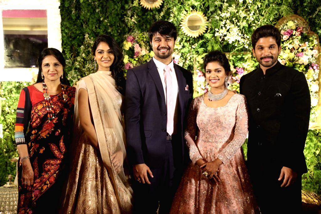 Actor Allu Arjun with newly wedded couple at Chiranjeevi daughter Srija Wedding Reception. - Allu Arjun