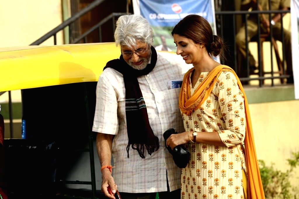 Actor Amitabh Bachchan and his daughter Shweta Bachchan during shooting of their jewellery ad in Mumbai on May 21, 2018. - Amitabh Bachchan and Shweta Bachchan