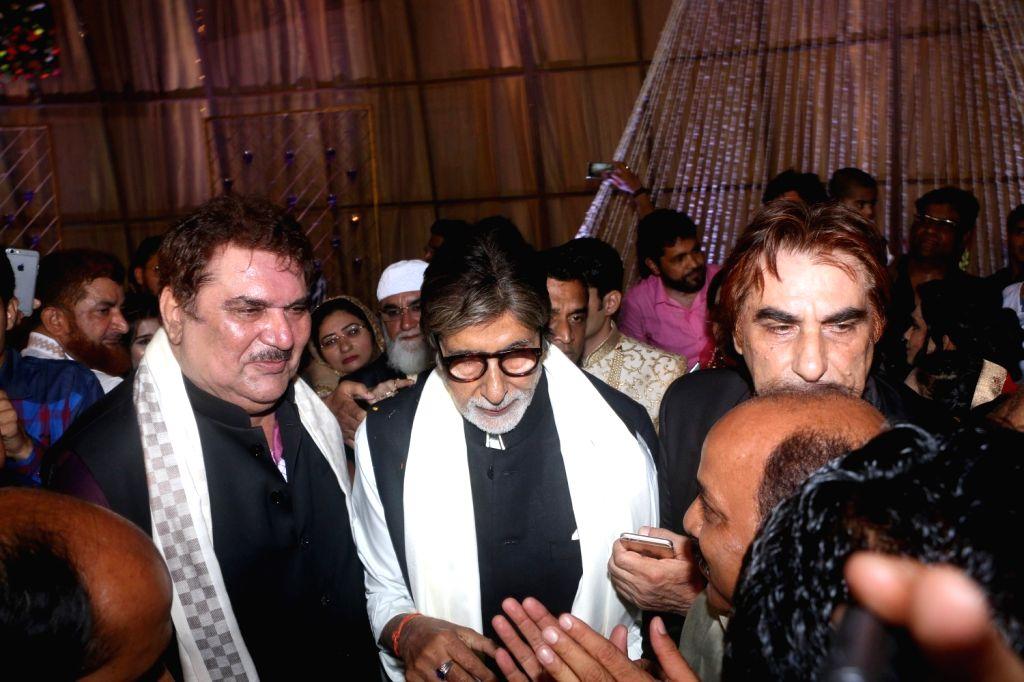 Actor Amitabh Bachchan at actor Ali Khan's daughter wedding reception in Mumbai on May 19, 2017. Also seen Raza Murad. - Amitabh Bachchan and Khan