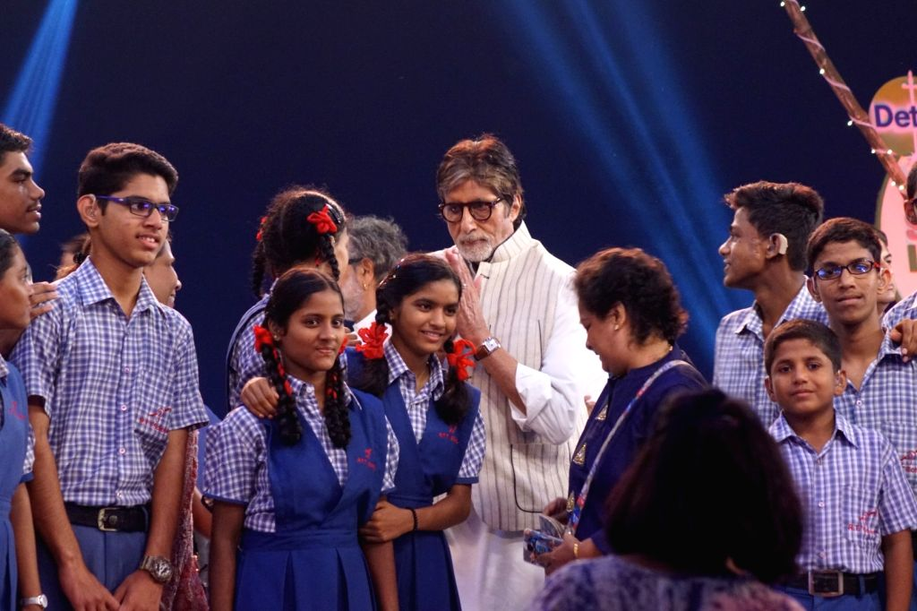 "Actor Amitabh Bachchan at ""Rashtriya Swachhta Diwas"" in Mumbai on Oct 2, 2017. - Amitabh Bachchan"