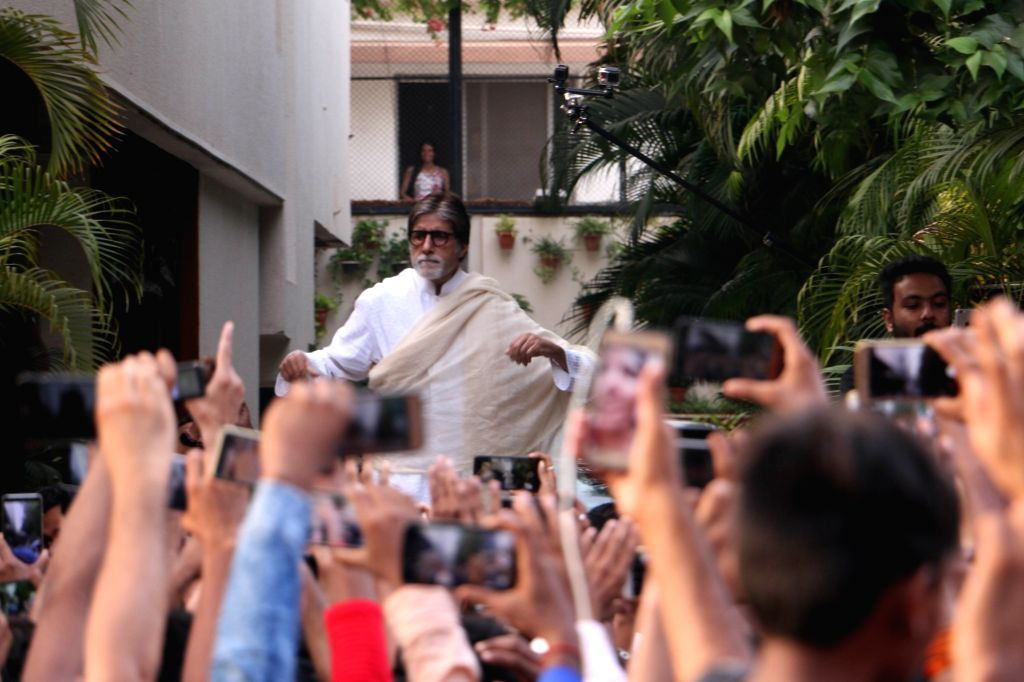 Actor Amitabh Bachchan greets his fans from his residence in Juhu, Mumbai on May 13, 2018. - Amitabh Bachchan