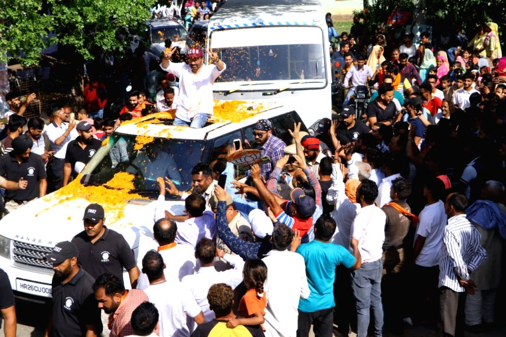 Actor and BJP's Lok Sabha candidate from Gurdaspur, Sunny Deol during a roadshow ahead of the 2019 Lok Sabha elections, in Punjab's Sujanpur on May 3, 2019.