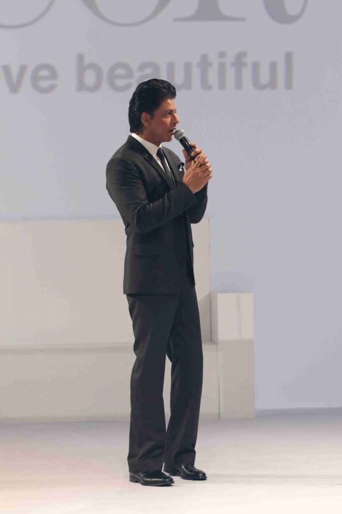 Actor and brand ambassador of D`Decor Sharukh Khan during the launch of furnishing brand D`Decor`s digital interface D`Assist, in Mumbai, on June 30, 2016. - Sharukh Khan