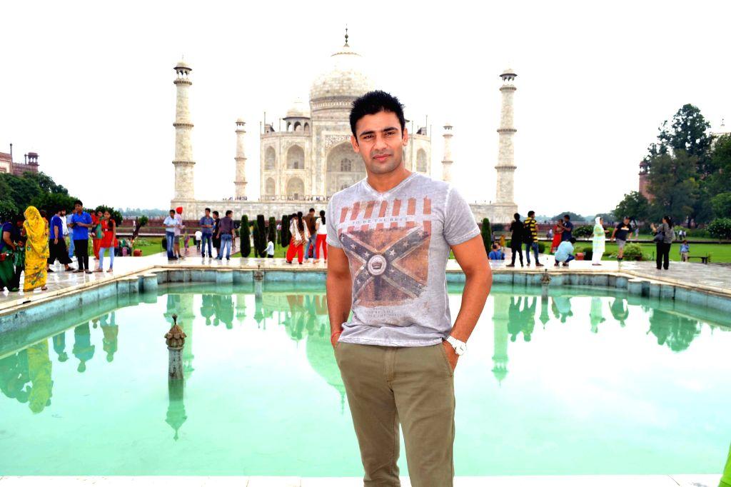 Actor and former wrestler Sangram Singh at the Taj Mahal, Agra.
