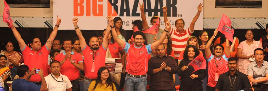 Actor and owner of Jaipur Pink Panthers, Abhishek Bachchan at Netaji Indoor Stadium during the match between Patna Pirats vs Jaipur Pink Panthers in Kolkata on Aug 2, 2014. - Abhishek Bachchan