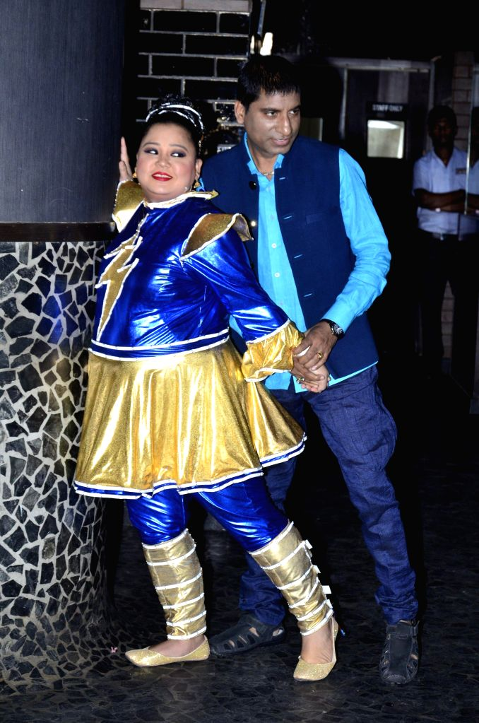 Actor and standup comedian Raju Shrivastav and standup comedian Bharti during the launch of Zee Television serial Gangs of Hasseepur in Mumbai, on April 17, 2014.