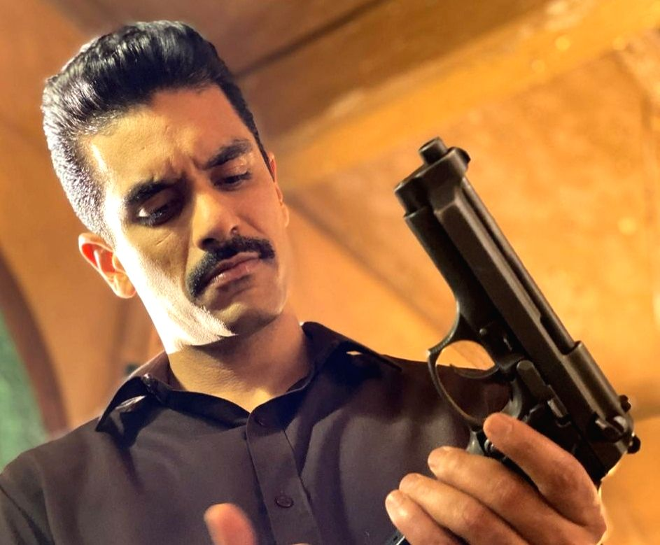 """Actor Angad Bedi has started shooting for a web series, """"MumBhai"""", that has him playing a Mumbai police officer. He has been spending time with senior cops from the Mumbai Police Force to get the act right. - Angad Bedi"""