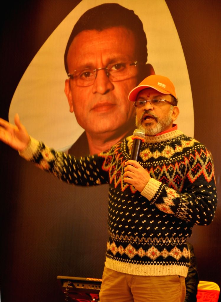 """Actor Annu Kapoor addresses during Big FM's programme """"Suhana Safar with Annu Kapoor"""" at Sadda Pind in Amritsar, on Feb 6, 2019. - Annu Kapoor"""