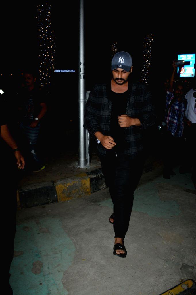Actor Arjun Kapoor seen at Mumbai's Bandra on Dec 5, 2018. - Arjun Kapoor