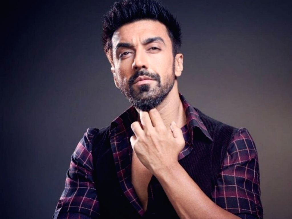 """Actor Ashish Chowdhry, who will be seen sharing screen space with Jennifer Winget in """"Beyhadh 2"""", says he shares  a strong bond with her. - Ashish Chowdhry"""