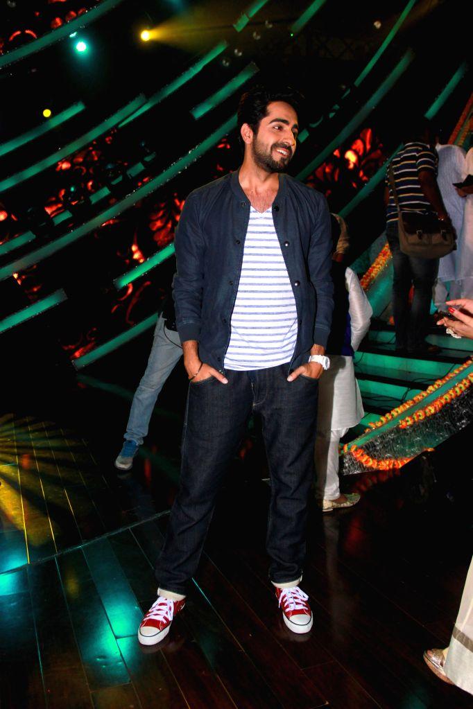 Actor Ayushman Khurana on the sets of Zee TV reality show Sa Re Ga Ma Pa Li`l Champs, in Mumbai on Feb 24, 2015. - Ayushman Khurana