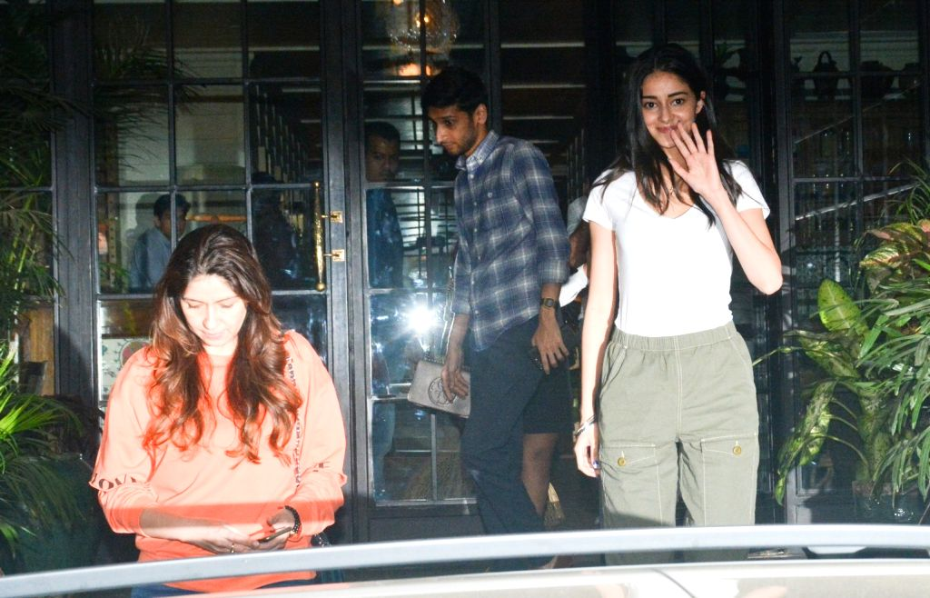 Actor Chunky Panday's daughter Ananya Pandey and wife Bhavna Pandey seen at Juhu in Mumbai, on Dec 4, 2018. - Chunky Panda, Ananya Pandey and Bhavna Pandey
