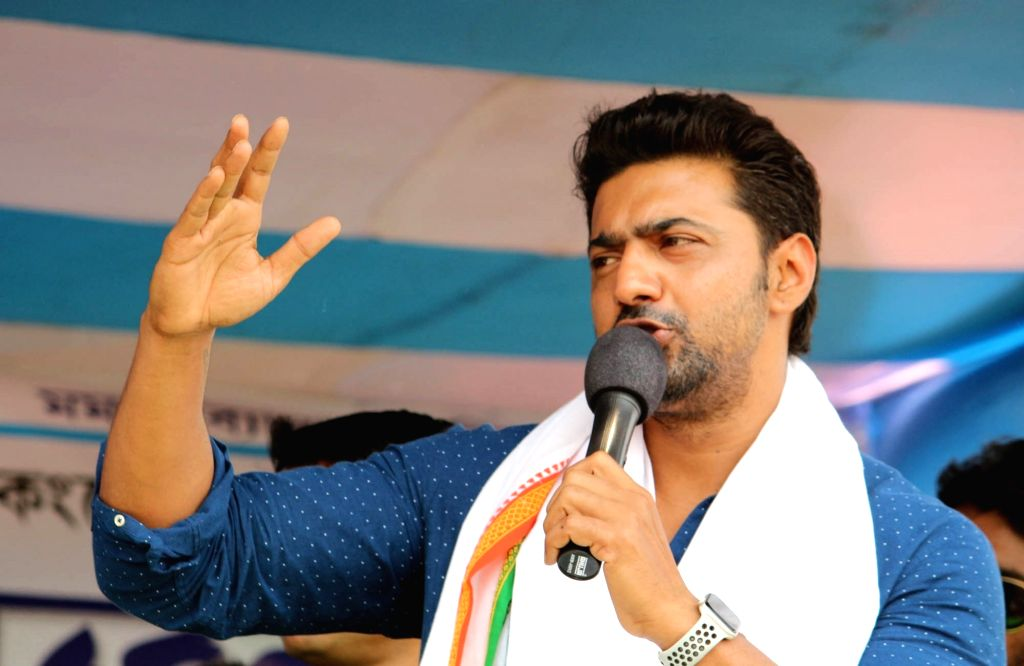 Actor Dev alias Deepak Adhikari, Trinamool Congress candidate from Ghatal addresses during a public rally ahead of the 2019 Lok Sabha elections in West Bengal's Birbhum, on April 24, 2019. - Dev