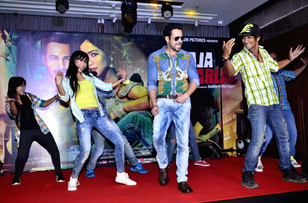 Actor Emraan Hashmi during the launch of film Raja Natwarlal special dance track Flip Your Collar Back in Mumbai on August 13, 2014. - Emraan Hashmi