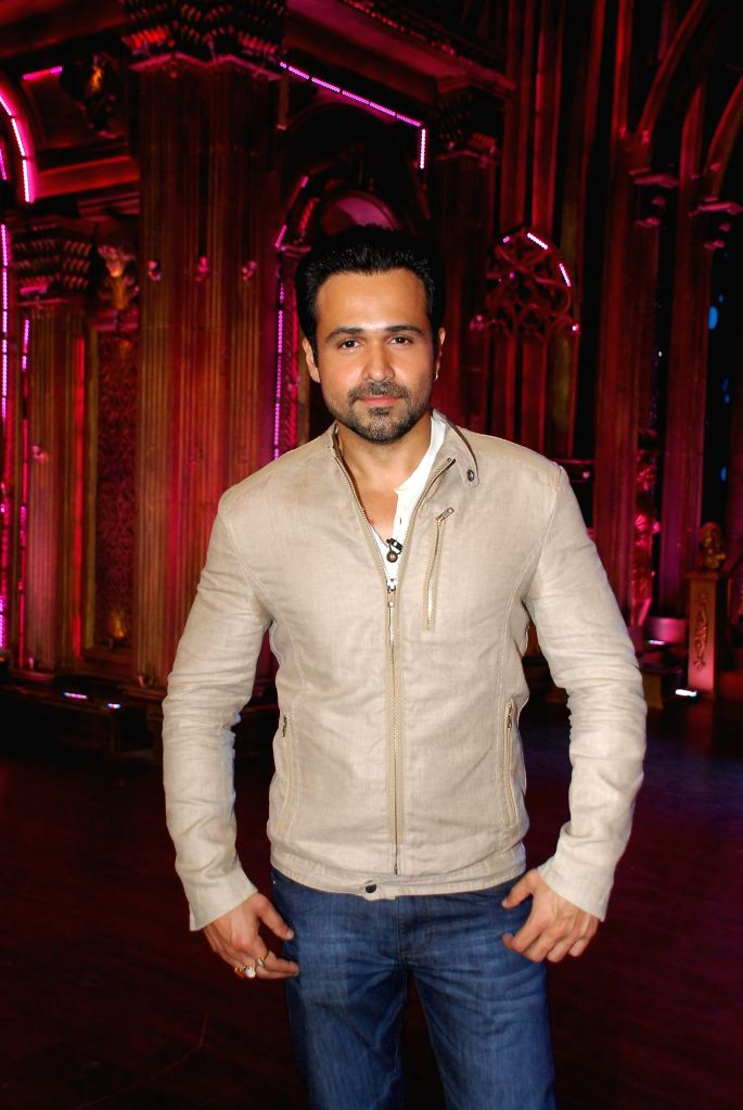 Actor Emraan Hashmi during the Promotion of film Raja Natwarlal on Zee TV show Indi`s Best Cine Stars Ki Khoj 2014 sets in Mumbai on Aug 11, 2014. - Emraan Hashmi