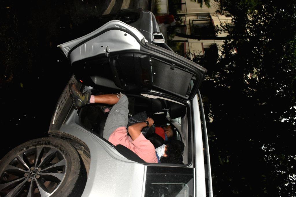 Actor Farhan Akhtar spotted at dubbing studio in Mumbai's Bandra on July 29, 2020. - Farhan Akhtar