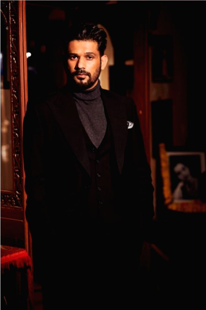 """Actor-filmmaker Sohum Shah of """"Tumbbad"""" fame is happy to be a part of the """"extremely engaging"""" film """"The Big Bull"""", which also stars Abhishek Bachchan. - Sohum Shah and Abhishek Bachchan"""