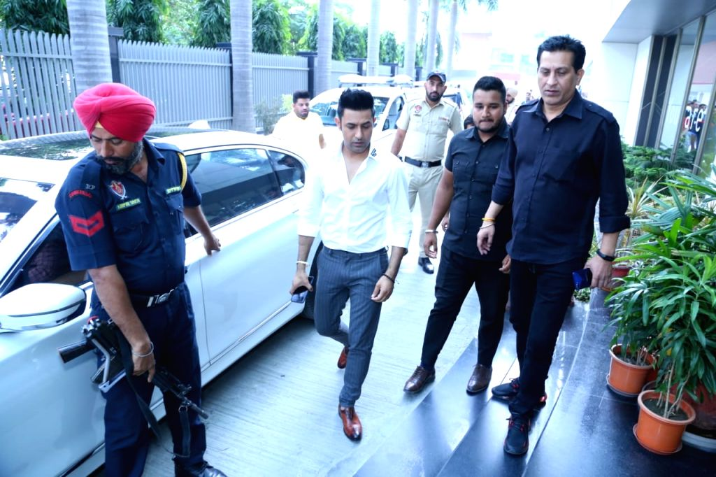 """Actor Gippy Grewal arrives for the promotions of his upcoming film """"Daaka"""" in New Delhi on Oct 24, 2019. - Gippy Grewal"""