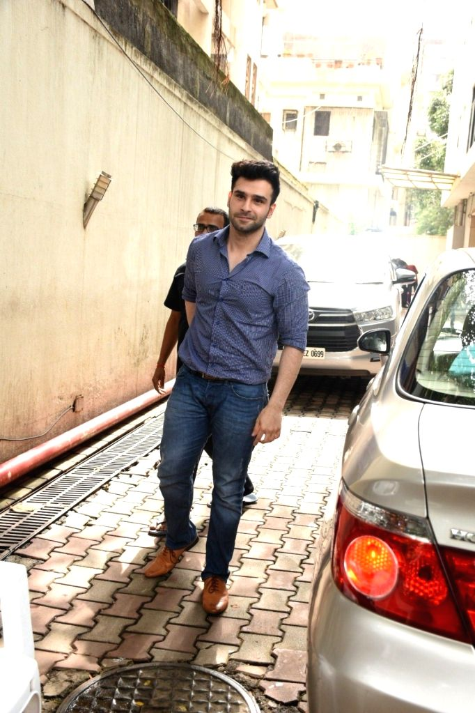 Actor Girish Kumar Taurani spotted at Khar in Mumbai on Aug 12, 2019. - Girish Kumar Taurani