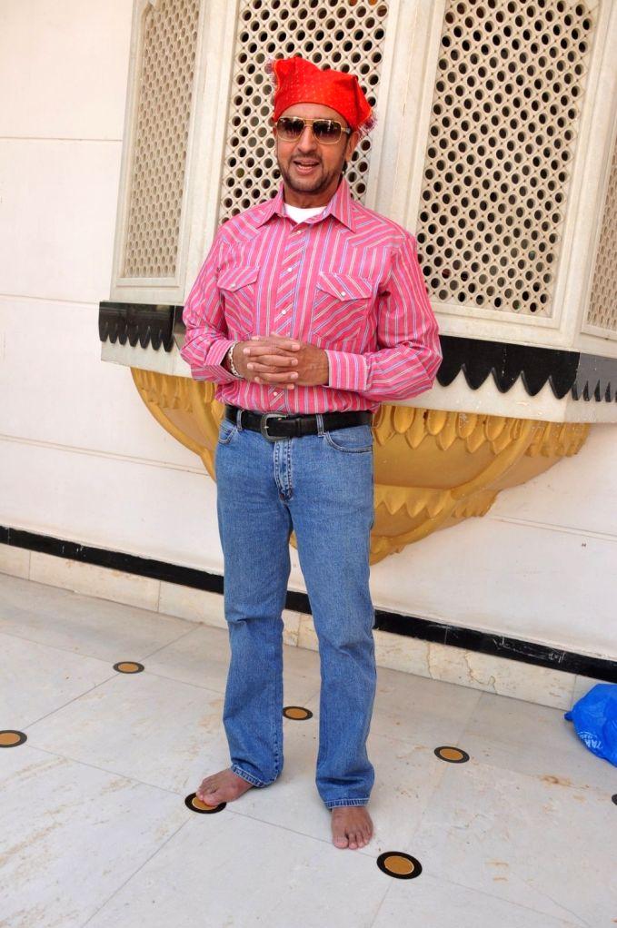 Actor Gulshan Grover during the re-release of film Nanak Nam Jahaz Hai in colour format in Mumbai on Nov 18, 2015. - Gulshan Grover