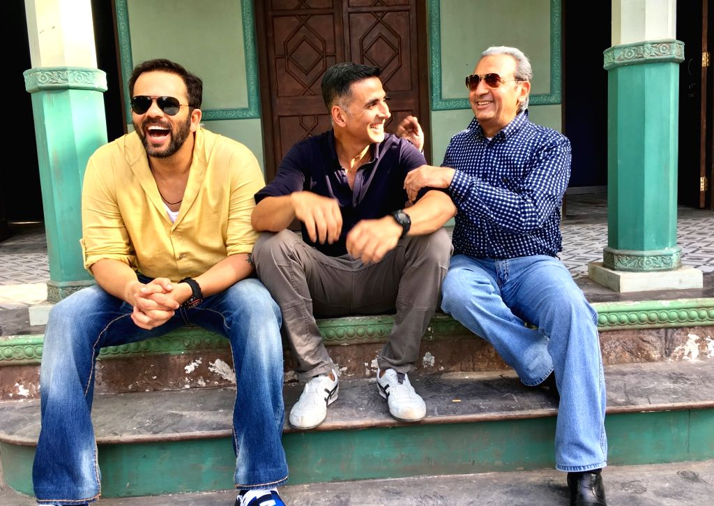 """Actor Gulshan Grover, who is fondly known as """"badman"""" of Bollywood, is set to treat his fans with his villainous role in Rohit Shetty's upcoming film """"Sooryavanshi"""". He says his ... - Gulshan Grover, Rohit Shetty and Akshay Kumar"""