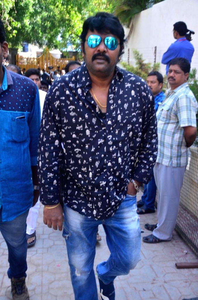 Actor GV pays last respect to Dasari Narayana Rao at his residence. - G and Dasari Narayana Rao