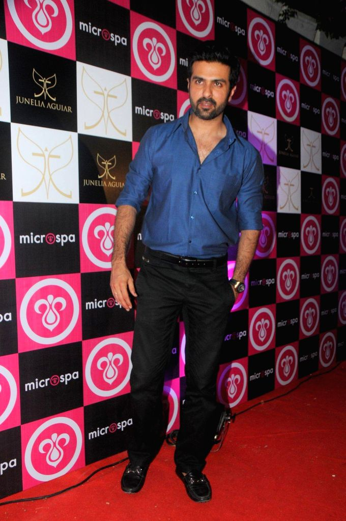 Actor Harman Baweja during the launch of Microspa, a hair and scalp care treatment spa in Mumbai, on May 7, 2014. - Harman Baweja