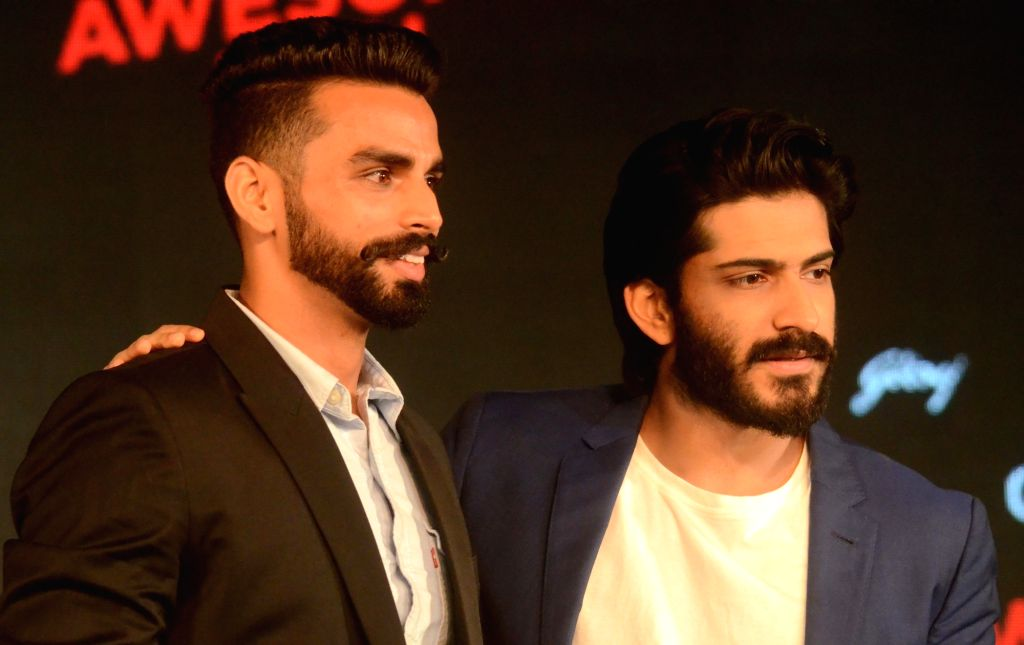 Actor Harshvardhan Kapoor and Indian triple jumper Arpinder Singh who won gold in Asian Games 2018 at the launch of a male grooming range in Mumbai on Sept 18, 2018. - Harshvardhan Kapoor and Arpinder Singh