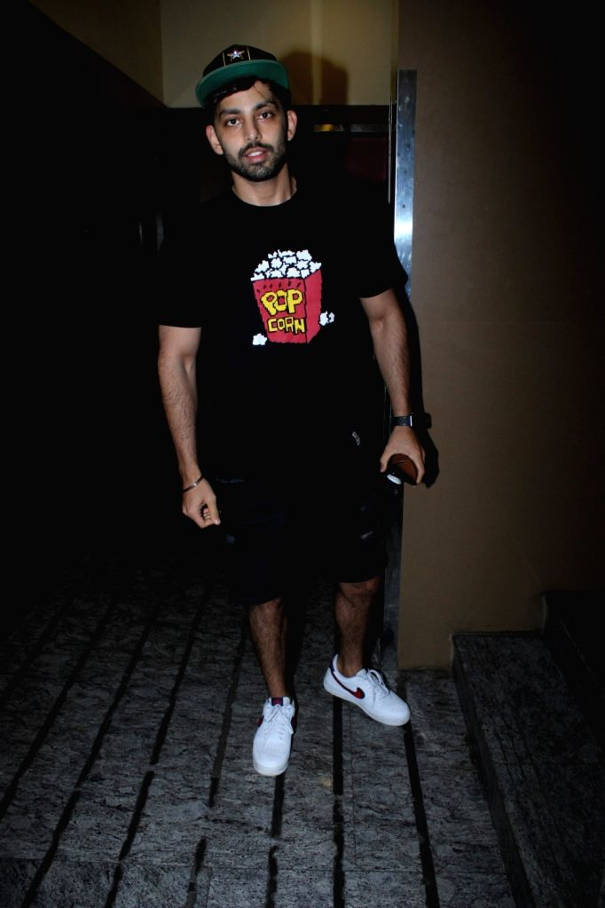 Actor Himansh Kohli seen at a Juhu cinema hall in Mumbai on May 11, 2019. - Himansh Kohli