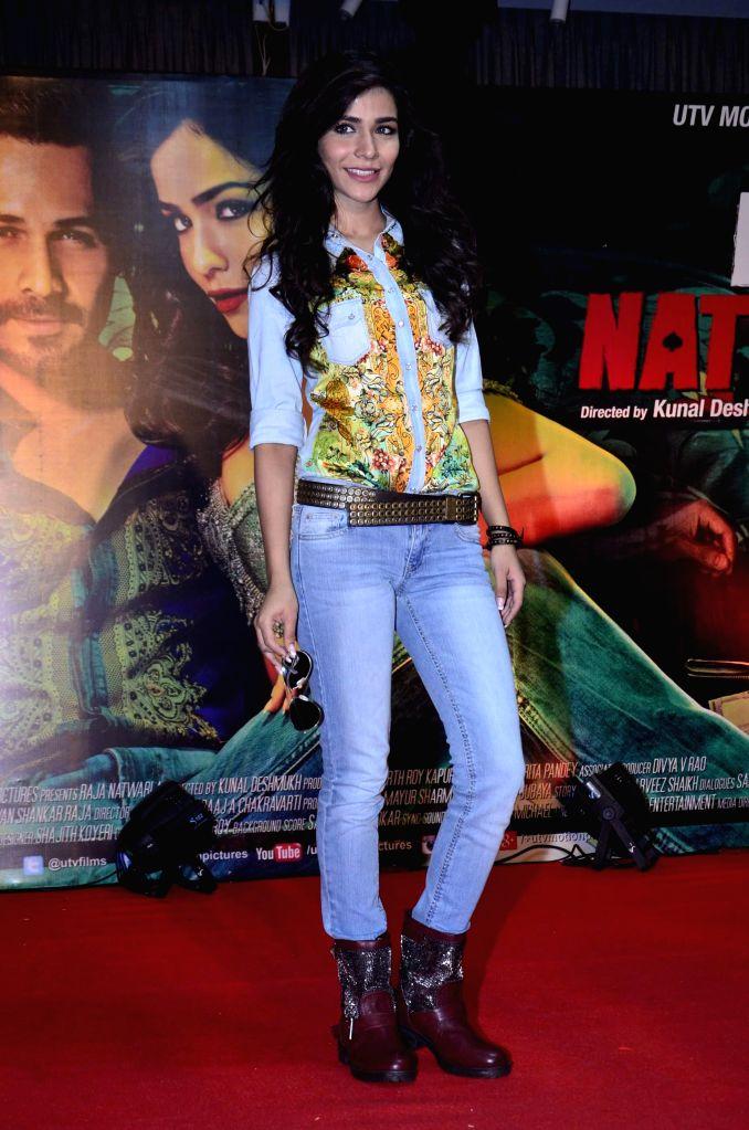 Actor Humaima Malik during the launch of film Raja Natwarlal special dance track Flip Your Collar Back in Mumbai on August 13, 2014. - Humaima Malik