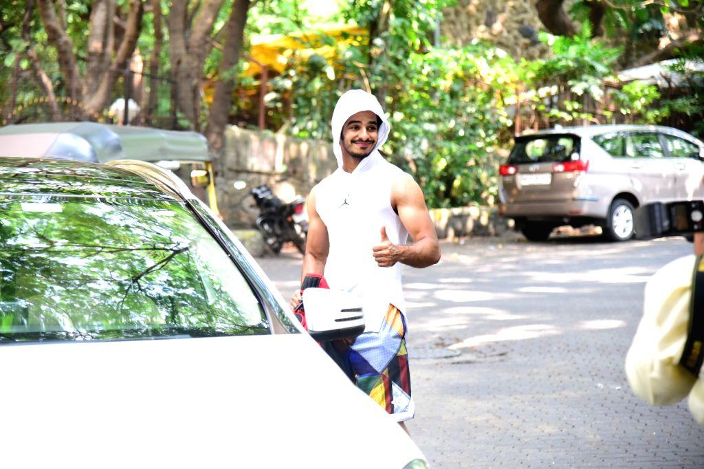 Actor Ishaan Khattar seen at Bandra in Mumbai on Oct 7, 2019. - Ishaan Khattar