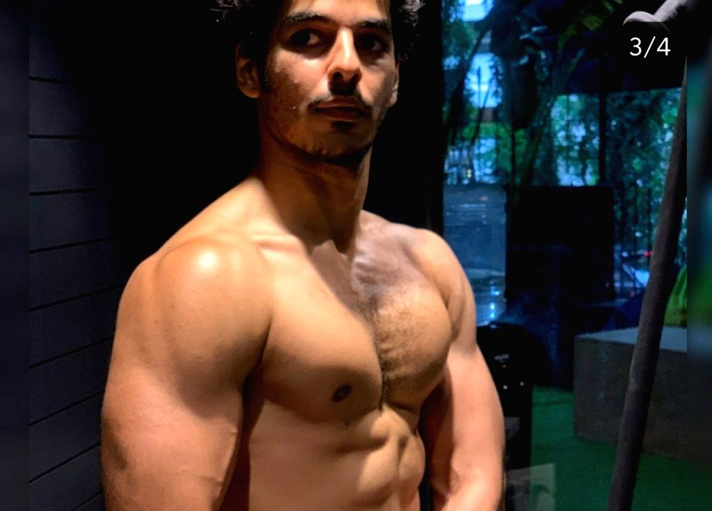Actor Ishaan Khatter is working really hard on his physique and his recent Instagram pictures are a proof of that. Ishaan on Saturday posted pictures of his transformation from his first film ... - Ishaan Khatter