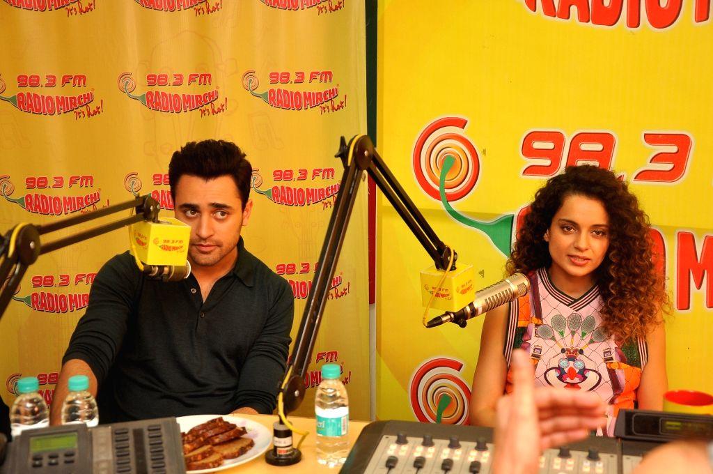 Actor Kangana Ranaut and Imran Khan at Radio Mirchi studio to promote their film Katti Batti in Mumbai on Aug 12, 2015. - Kangana Ranaut and Imran Khan