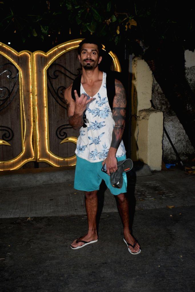 Actor Karan Singh Grover seen at a spa in Mumbai's Juhu on March 29, 2019. - Karan Singh Grover