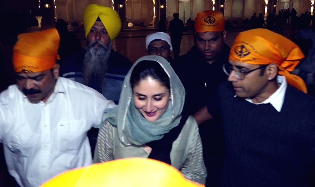 Actor Kareena Kapoor Khan pays obeisance at the Golden Temple in Amritsar on Dec 2, 2019. - Kareena Kapoor Khan
