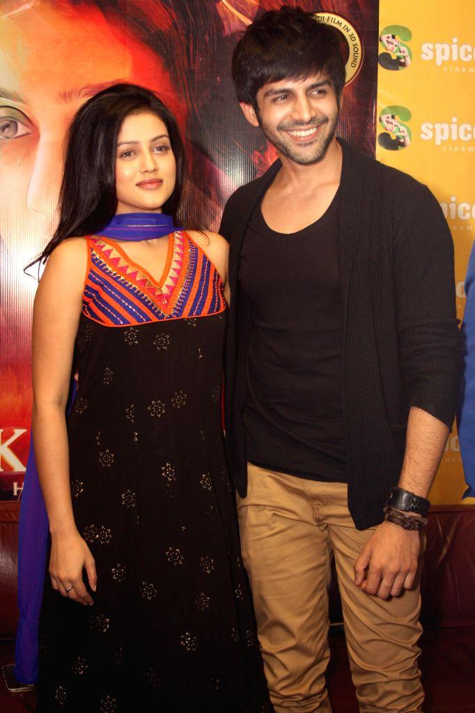 Actor Kartik Aaryan and Mishti Mukherjee during a press conference to promote their upcoming film 'Kaanchi' in Noida on April 18, 2014. - Kartik Aaryan and Mishti Mukherjee