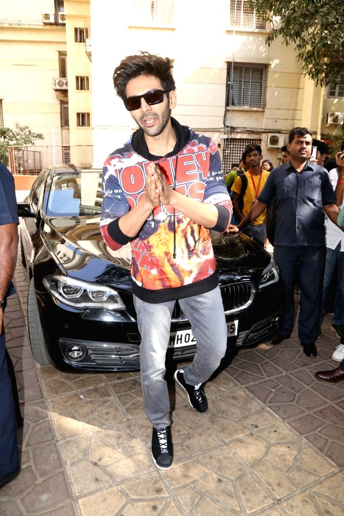 "Actor Kartik Aaryan during promotions of his upcoming film ""Luka Chuppi"" at a Mumbai college on Feb 14, 2019. - Kartik Aaryan"