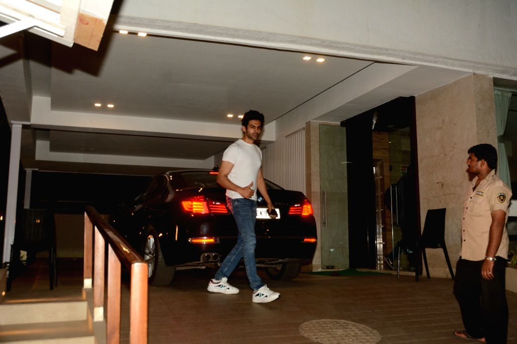 Actor Kartik Aaryan seen at Mumbai's Bandra on May 4, 2019. - Kartik Aaryan