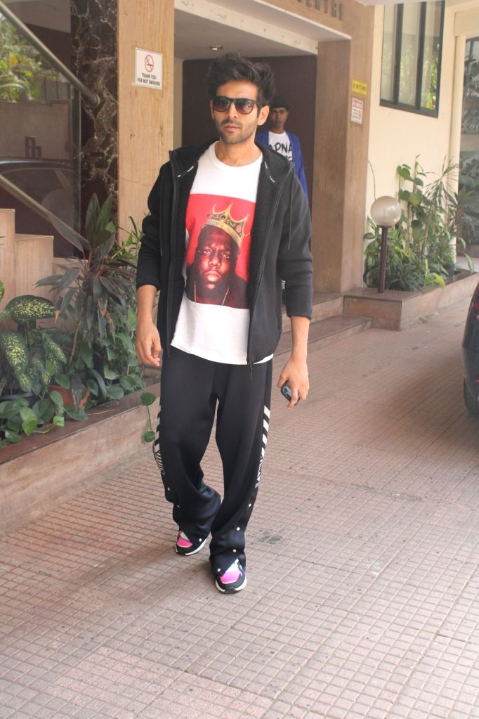 Actor Kartik Aaryan seen at Mumbai's Juhu, on May 6, 2019. - Kartik Aaryan