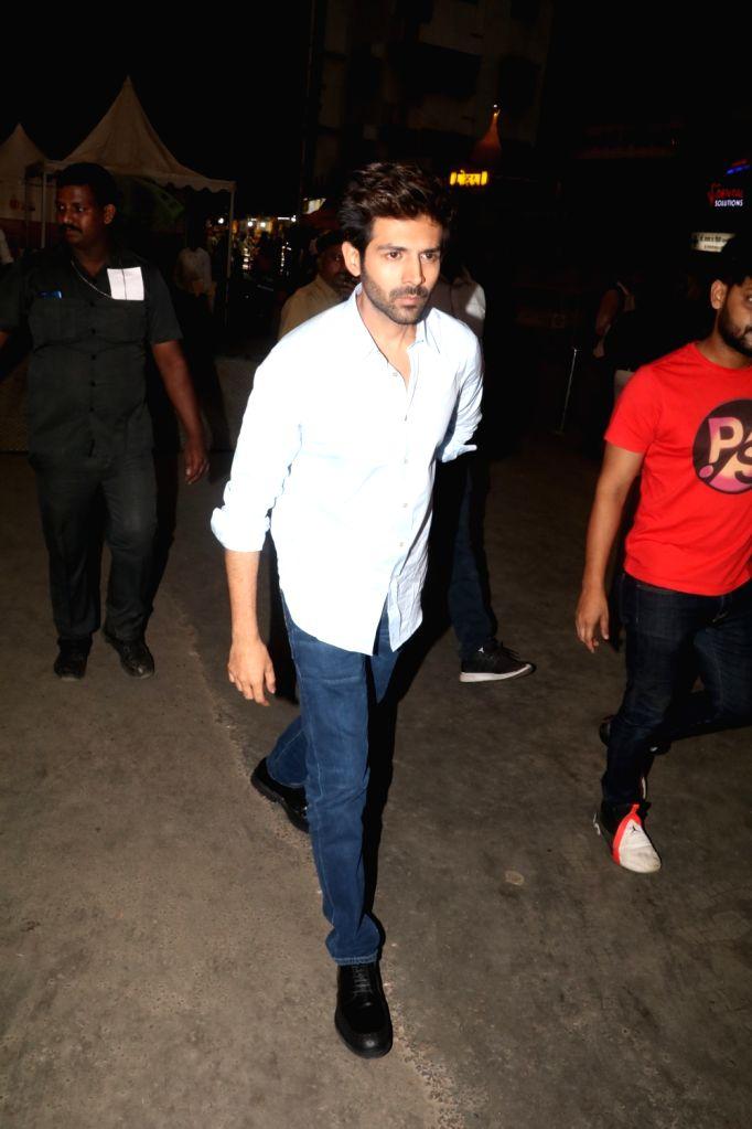 Actor Kartik Aaryan visits Siddhivinayak Temple in Mumbai, on Dec 6, 2019. - Kartik Aaryan