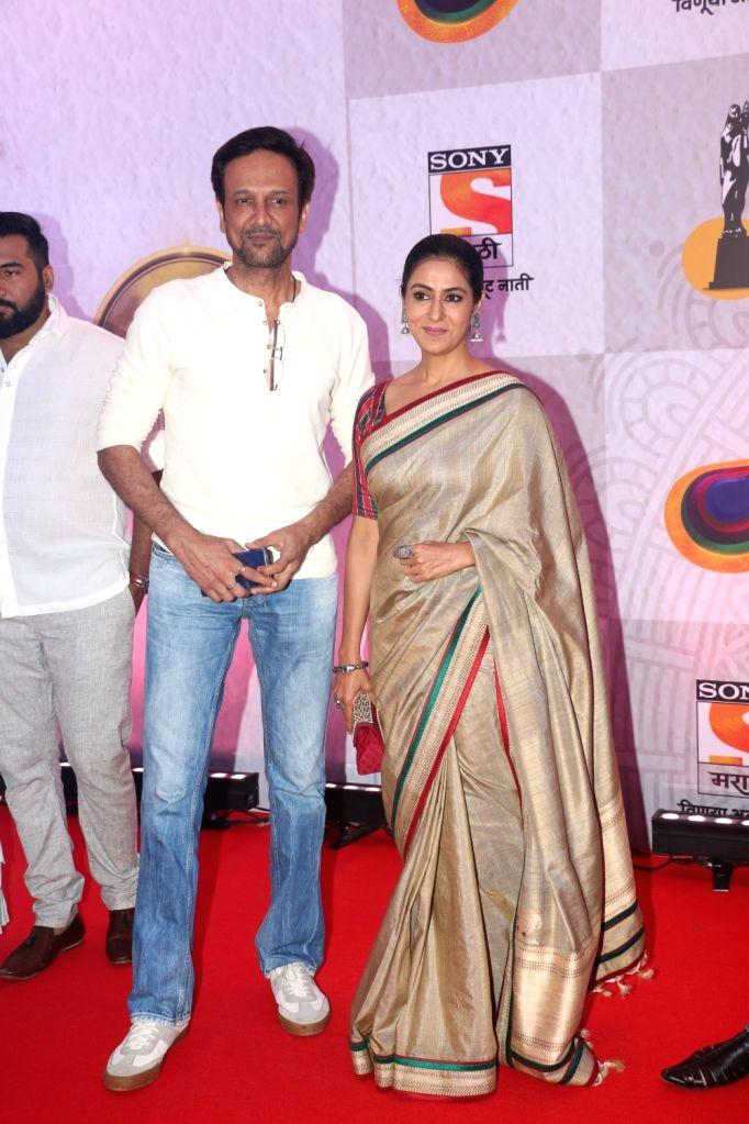 Actor Kay Kay Menon and his wife-actress Nivedita Bhattacharya during Maharashtra State Marathi Film Awards in Mumbai, on May 26, 2019. - Kay Kay Menon