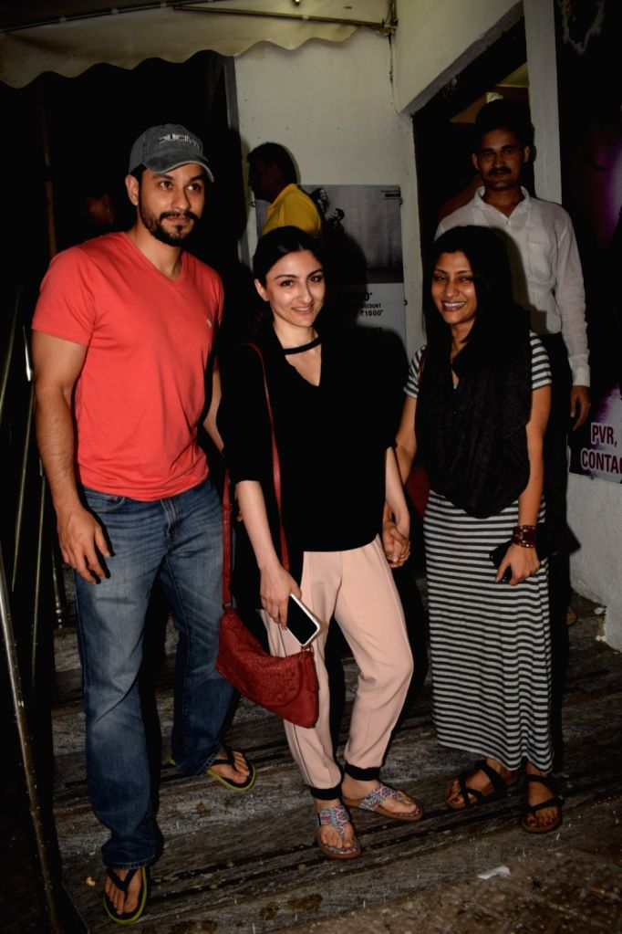 Actor Kunal Kemmu along with his wife Soha Ali Khan seen at a cinema theater in Mumbai on May 1, 2018. - Kunal Kemmu and Soha Ali Khan