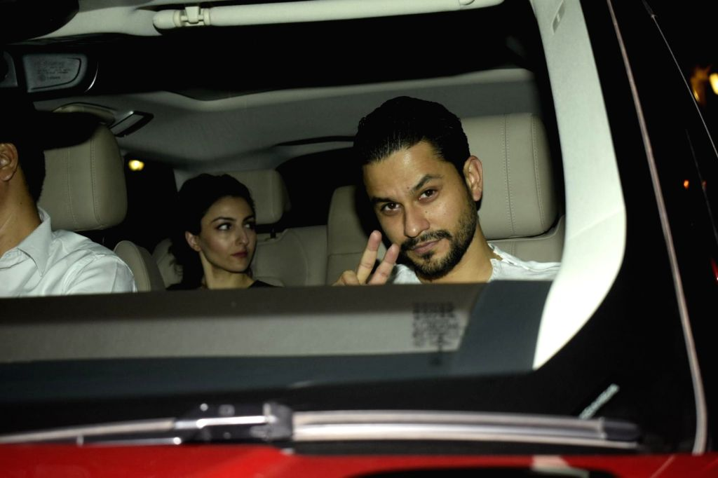 Actor Kunal Khemu along with his wife Soha Ali Khan arrives to attend Halloween party at Karan Johar's house in Mumbai on Nov. 1, 2018. - Kunal Khemu and Soha Ali Khan