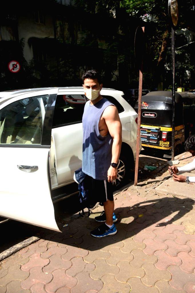 Actor Kunal Khemu seen at a Khar gym in Mumbai on Nov 20, 2020. - Kunal Khemu