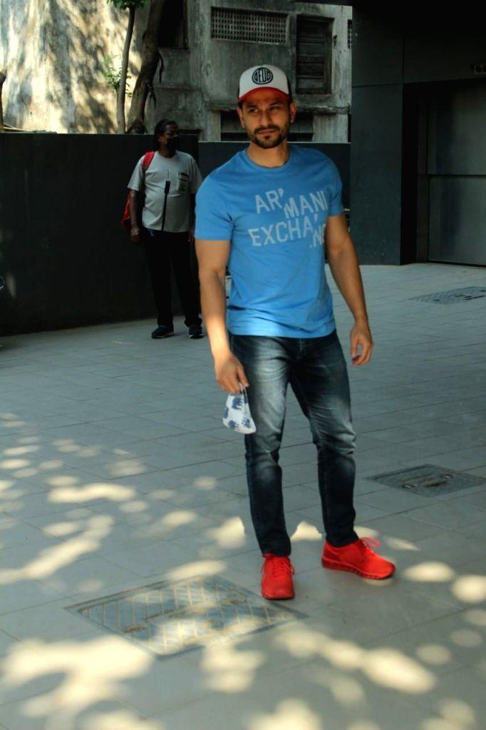 Actor Kunal Khemu seen at Andheri in Mumbai on Dec 4, 2020. - Kunal Khemu