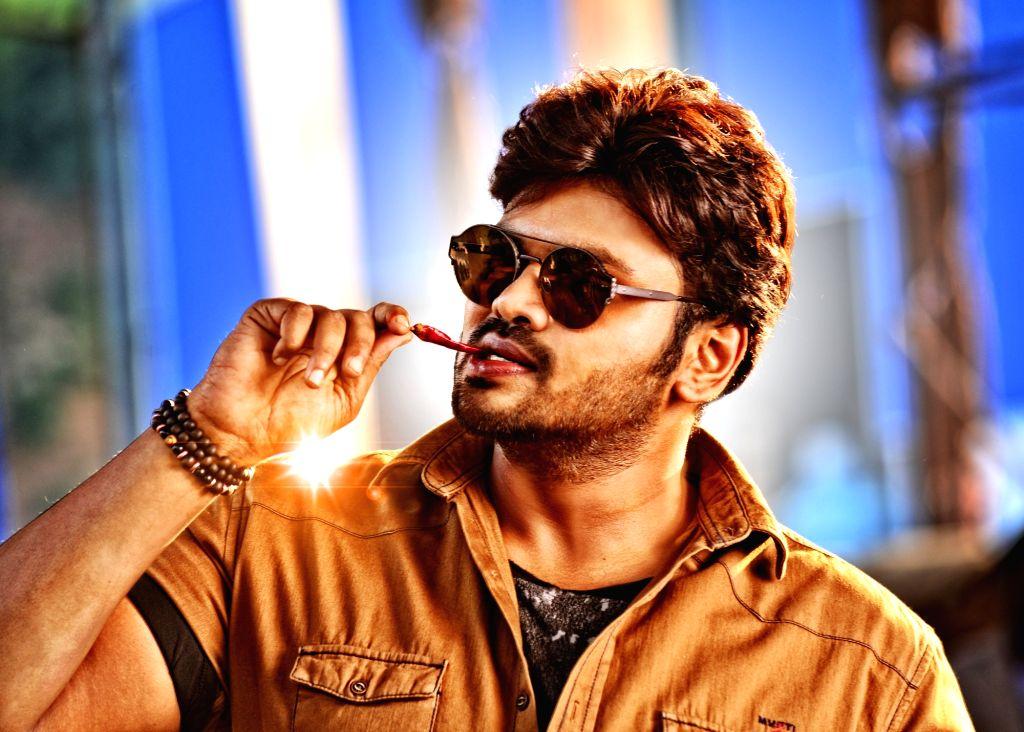 Actor Manchu Manoj stills from Telugu film `Gunturodu`. - Manchu Manoj